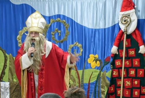 Performance on the occassion of St. Nicholas' Day at the Clinic of Neurology of Developmental Age